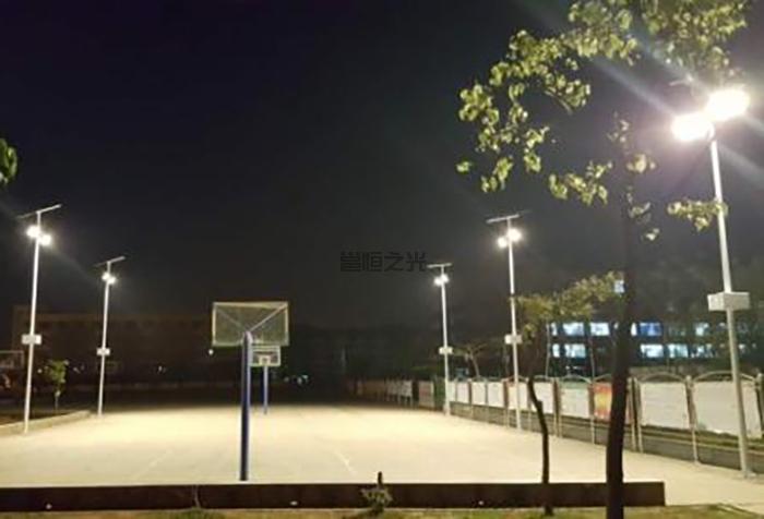 太陽能球場燈2