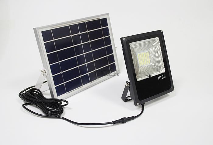 太陽能投光燈1