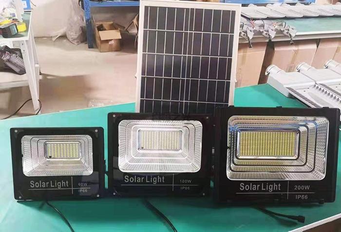 太陽能投光燈2